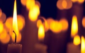 Taize-candles-C-700x438