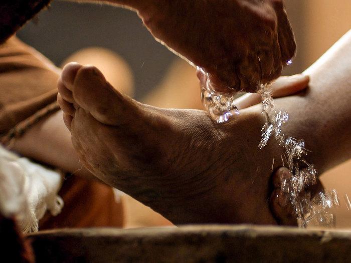 washing-feet