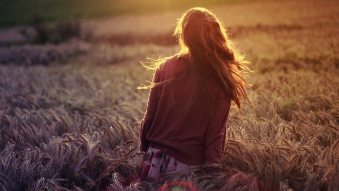Girl-Walking-in-Dry-Grain-Field-Sunlights-HD-Wallpaper--NatureWallBase.Blogspot.Com