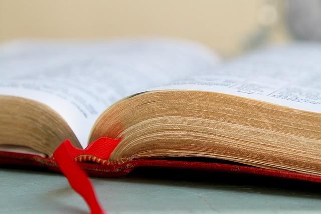 bible-1310883_640