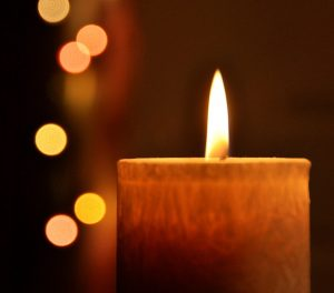 candle-1129354_640