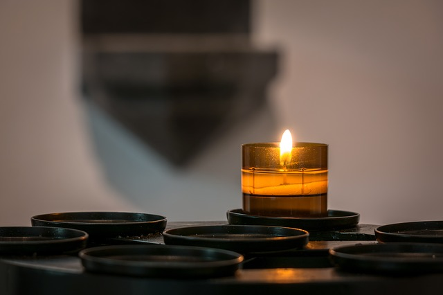 candle-1016442_640