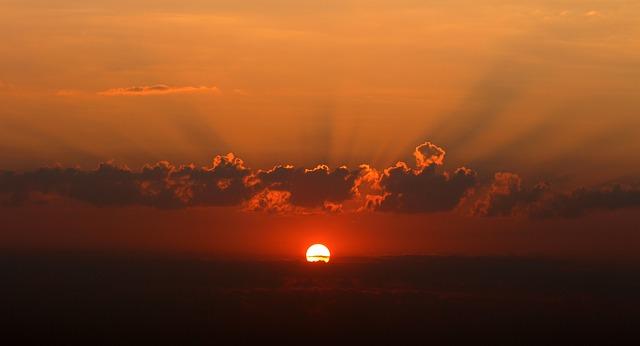 sunrise-1557093_640