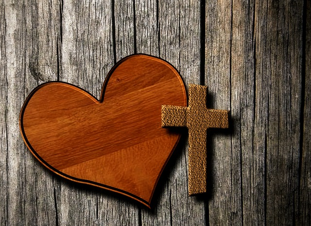 heart-1166557_640