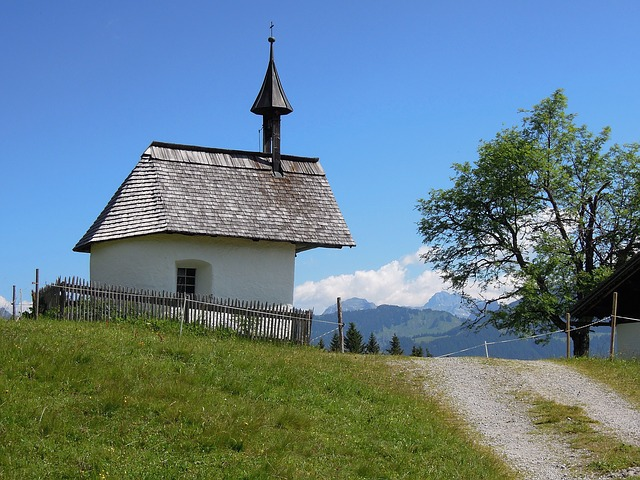 mountain-chapel-498795_640