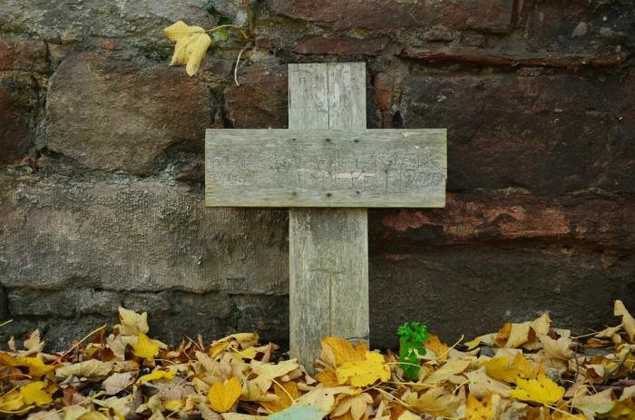grave-1412362_960_720