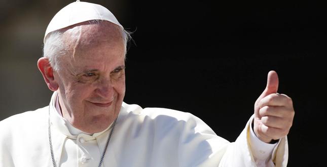 Papa Francesco sempre pi√π social